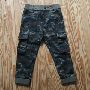 Lucky Brand sz 5 sweat pants. Camouflage boys